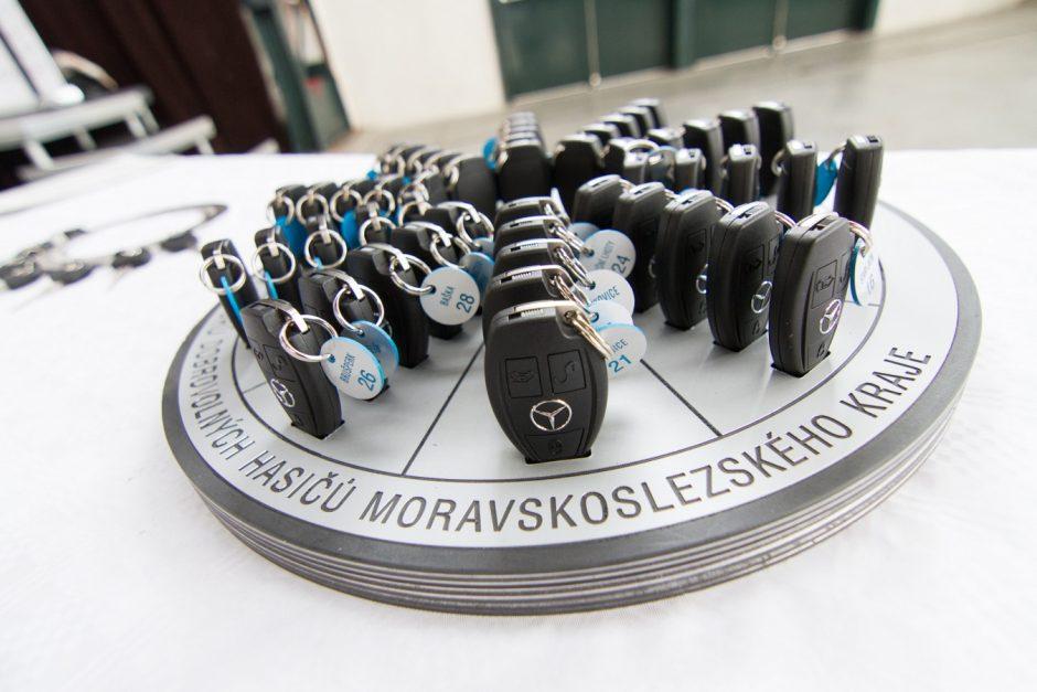 Předání padesáti nových hasičských vozidel dobrovolným hasičům z Moravskoslezského kraje v Ostravě