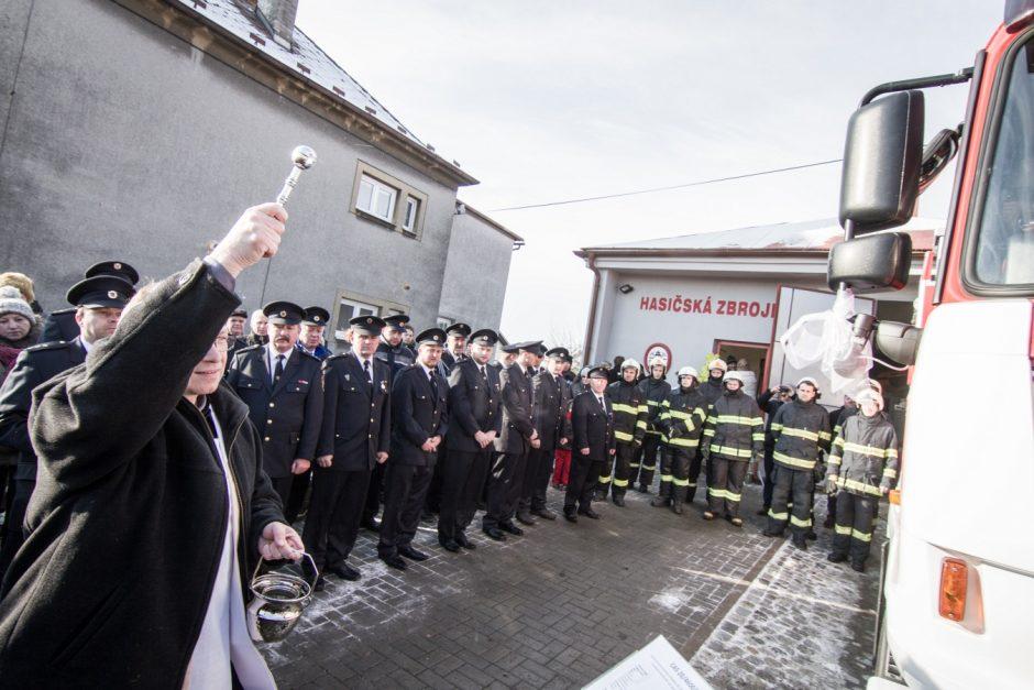 Požehnání novému zásahovému vozidlu v Jakubčovicích