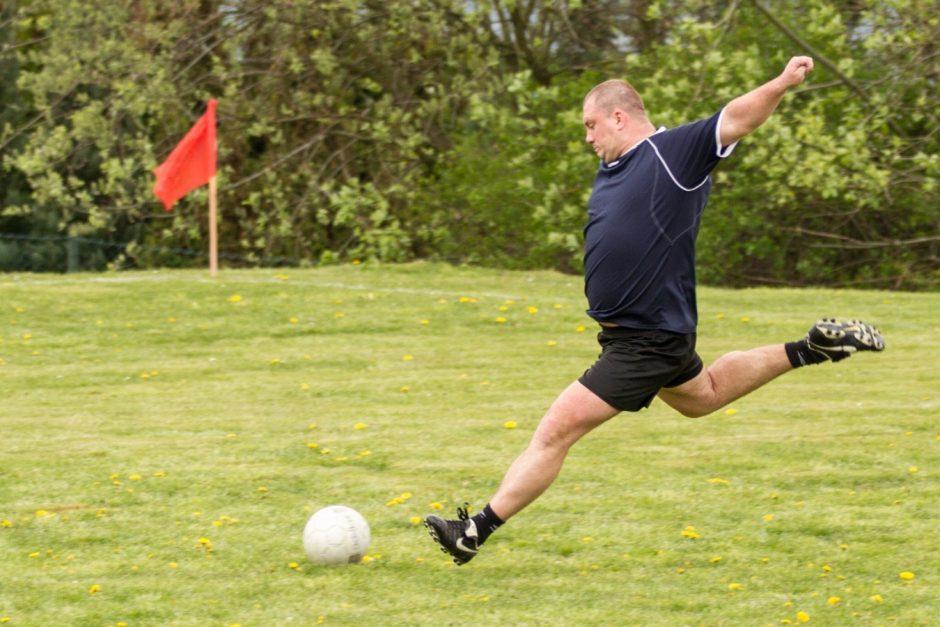 Fotbalové utkání Svobodní - Ženatí ve Slatině