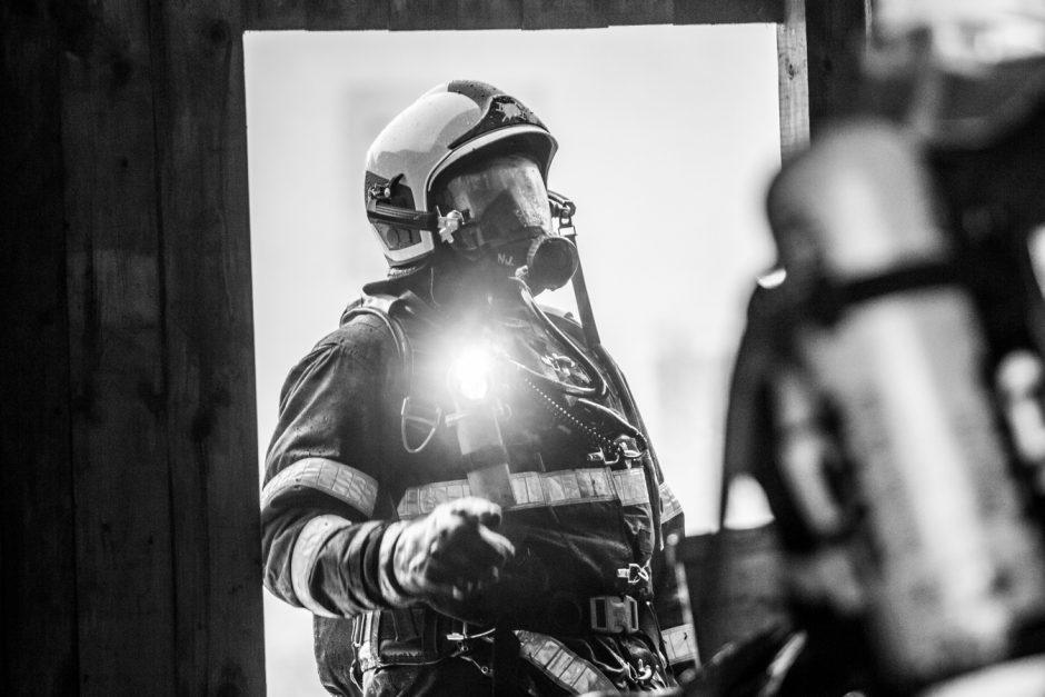 Požár hospodářské budovy ve Skřipově