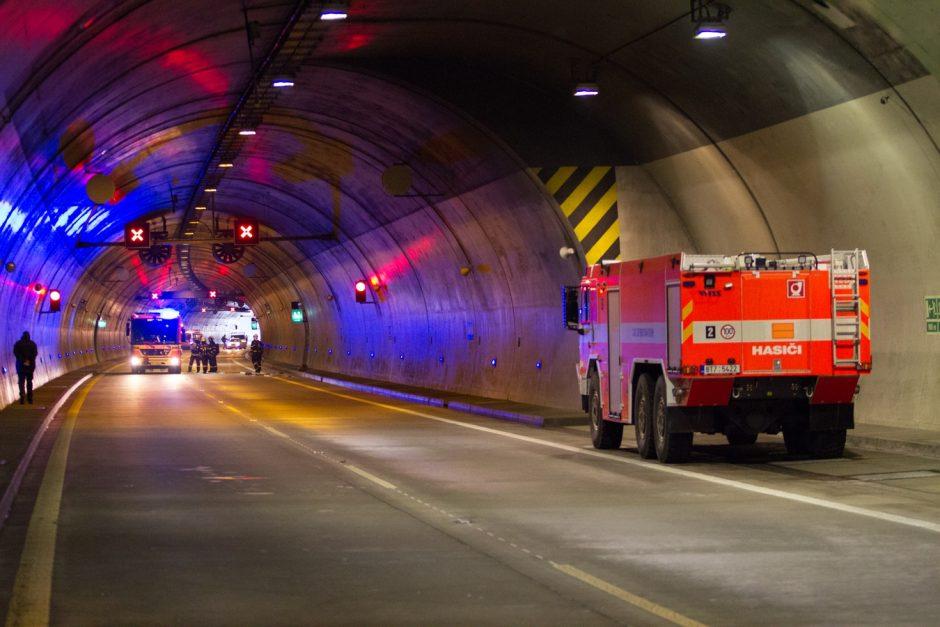 Taktické cvičení hasičů v tunelu Klimkovice
