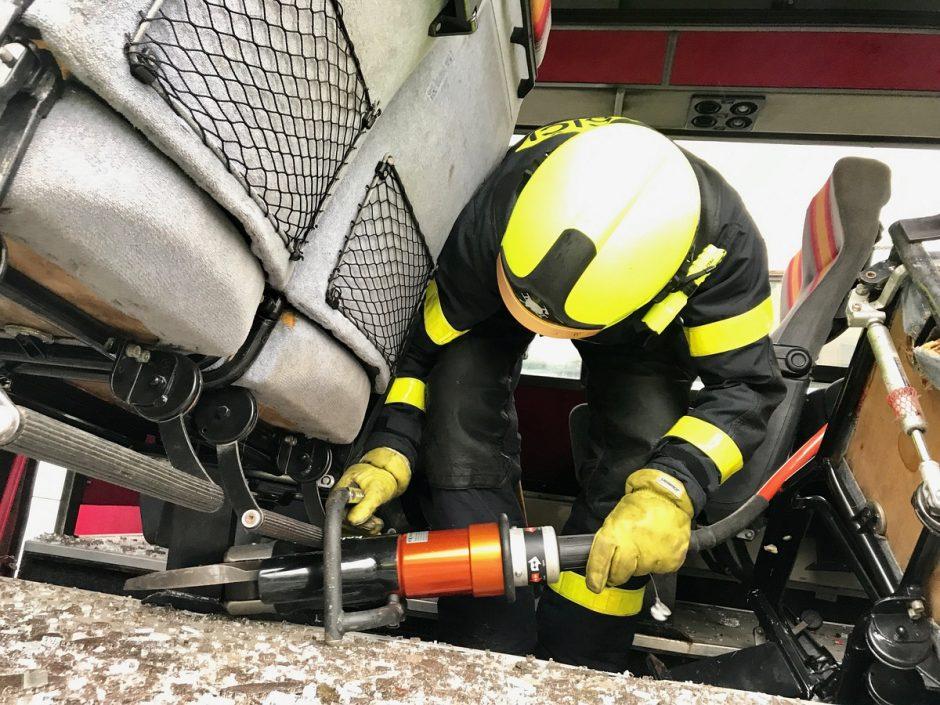 Výcvik profesionálních hasičů v Bílovci